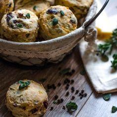 Chiftelute cu linte si spanac - Din secretele bucătăriei chinezești Savory Scones, Kalamata Olives, Matcha, Muffin, Breakfast, Ethnic Recipes, Morning Coffee, Muffins