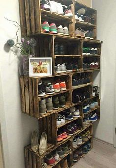 If we build the mug room porch we should do this to one wall. | See more about Mud Rooms, Mud and Shoes. Photos from the site pinterest.com...