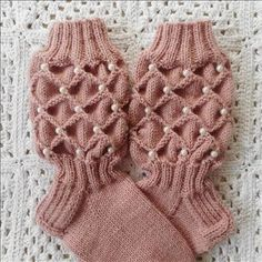 Loom Knitting Patterns, Lace Knitting, Knitting Socks, Knitted Hats, Crochet Shoes, Knit Crochet, Lace Scarf, Knitting Accessories, Knitting For Beginners