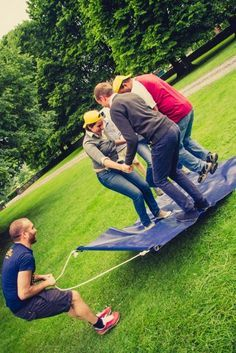 Image result for teambuilding opdrachten Teamwork Activities, Fun Team Building Activities, Nature Activities, Fun Activities For Kids, Youth Group Games, Family Fun Games, Team Games, Summer Camp Games, Camping Games