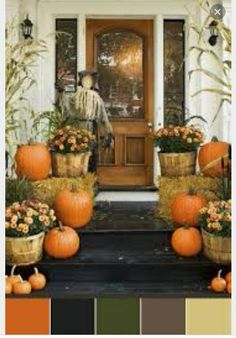 Decorate your front porch for the fall season. Here are the best fall porch decorating ideas for you which you can DIY easily and decorate your front porch. Halloween Veranda, Fete Halloween, Outdoor Halloween, Halloween Ideas, Scary Halloween, Scarecrow Ideas, Halloween House, Halloween Stuff, Outdoor Christmas