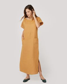 We've made a sack style dress so easy to throw on you won't want to take it off. ||+||The Seaton is loose fitting and has two oversized front facing pockets. It
