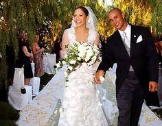 Jennifer Lopez - Our 10 favorite Latina celebrity bridal dresses! Star Wedding, Wedding Pics, Wedding Couples, Wedding Styles, Wedding Albums, Wedding Gallery, Wedding Ceremony, Wedding Flowers, Reception
