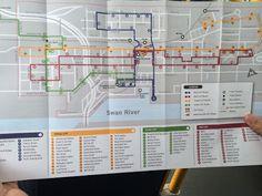 """Uma das coisas que mais gosto aqui em Perth, é o transporte público... Além do ônibus, aqui também tem o """"train"""" e o """"ferry""""...  Existem ônibus e """"train"""" gratuitos dentro da FTN [Free Transit Zone] no caso de ônibus e da SFTN [SmartRider Free Transit Zone] no caso do trem. http://doismatutosnaaustralia.blogspot.com.au/2016/11/o-transporte-publico-aqui-em-perth.html"""