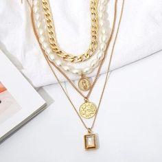 Gold-Halskette einzigartige 4 Stück Halsband Perle Münze   Etsy Layered Choker Necklace, Layered Chokers, Gold Pearl Necklace, Opal Necklace, Gold Plated Necklace, Coin Necklace, Layer Necklace, Layering Necklaces, Pearl Chain