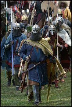 Anglo-saxon warrior re-enactors Viking Armor, Medieval Armor, Viking Age, Medieval Fantasy, Armor Clothing, Viking Clothing, Vikings, Anglo Saxão, Anglo Saxon History