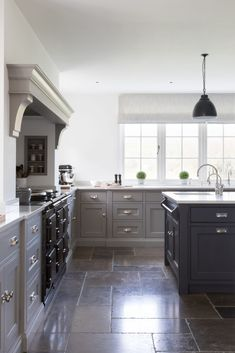 10 Remarkable Range Cooker With Warming Drawer Range Cooker Double Oven Country House Interior, Aga Kitchen, Kitchen Design Small, Range Cooker Kitchen, Kitchen Inspirations, Kitchen Flooring, Open Plan Kitchen Living Room, Kitchen Layout, Slate Floor Kitchen