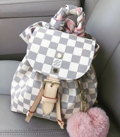 LV Shoulder Tote Louis Vuitton Handbags New Collecti. LV Shoulder Tote Louis Vuitton Handbags New Collection to Have Mochila Louis Vuitton, Louis Vuitton Handbags Prices, Louis Vuitton Backpack, Louis Backpack, Louis Vuitton Purses, Pink Louis Vuitton Bag, Gucci Purses, Chanel Handbags, Fashion Handbags