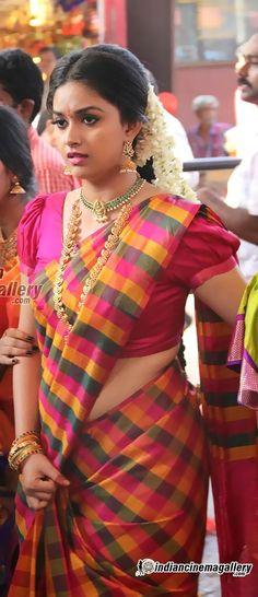 Beautiful Indian Actress, Beautiful Actresses, Saree Blouse, Sari, Jennifer Winget, Girl Body, Indian Beauty, Indian Actresses, Teen