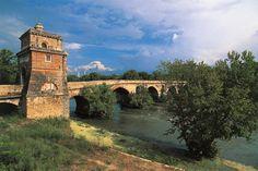 Il ponte Milvio presso il quale si svolse la battaglia fra gli eserciti di Massenzio e di Costantino nell'ottobre del 312 d.C.
