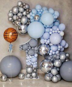 Baby First Birthday Cake, Boys 1st Birthday Party Ideas, 1st Birthday Photoshoot, Birthday Fun, First Birthday Parties, First Birthdays, Baby Balloon, Baby Shower Balloons, Birthday Balloon Decorations