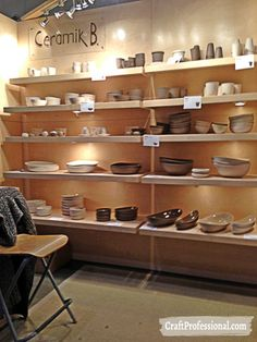 Booth Display Ideas - 14 Photos of Creative Shelf Displays in Craft Booths