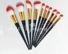 🦄 Gorgeous Makeup cosmetics Brush Set, featuring magical unicorn horn handles and rainbow bristles 🌈 Perfect for your make up needs Includes eyeshadow brushes, a fan brush, a blusher brush, a kabuki brush + more   10 Piece set. Pearly Horn Handle 17.5cm - 22cm length Nylon hair Cruelty Free & vegan Individually plastic wrapped Brushes only  BRUSHES AS PICTURED ✔️ THESE ARE MY PHOTOGRAPHS ✔️  📍📍 I ALSO HAVE A 5 PC SET FOR £12.99 - CHECK OUT MY SHOP! 📍📍  FREE SHIPPING  ** Please pay a...