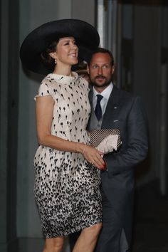 Pin for Later: Princess Mary Proves That Simple Is Best When Dressing to Impress And Carried a Checkered Box Clutch, Which Went Well With Her Beige and Black Dress
