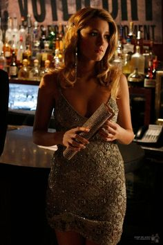 3x07 How To Succeed In Bassness. Body Language gold sequin dress and Judith Leiber crystal clutch.