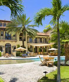 VILLA CONTENTA MIAMI Roméo #villacontenta #miami #romeo #architectureinterieure #interiordesign #luxuryfurnitures  #corinnesananes #palms #garden #swimmingpool http://www.villazzo.com/