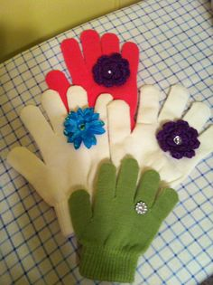More gloves with rings