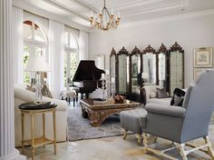 That Mirrored Screen is to die for! Baby Grand Pianos, Interior Decorating, Interior Design, Decorating Ideas, Decorative Screens, Light Installation, Rustic Feel, Interior And Exterior, Living Room