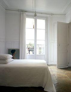 Source: Douglas Friedmanю Elegant & calm. Love the herringbone floor.