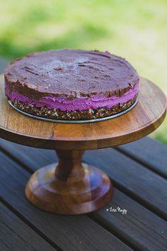 """vegán nyers málnás, csokoládés """"sajt""""torta  Zizi kalandjai..."""