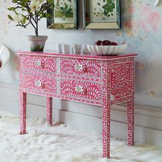 Raspberry 4-drawers table... cute cute cute