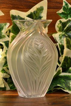 Lalique Crystal Pavie Vase, Leaves of Corn