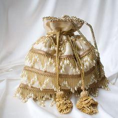 Hand Embroidery, Embroidery Designs, Desi Wedding Decor, Potli Bags, Burlap Bags, Asian Clothes, Wedding Mood Board, Designs For Dresses, Linen Bag