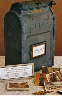 don't know why, but I am suddenly in love with vintage mailboxes!