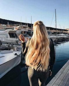 10 Amazing mermaid hair colour ideas – My hair and beauty Beautiful Long Hair, Gorgeous Hair, Curly Hair Styles, Natural Hair Styles, Pinterest Hair, Spring Hairstyles, Mermaid Hair, Dream Hair, Hair Looks
