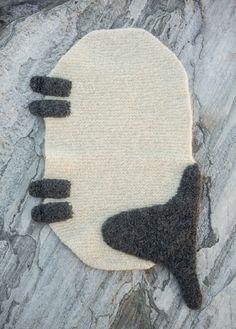 Tovet sitteunderlag - Sau - Viking of Norway Sheep Face, Dark Winter, Blacksmithing, Norway, Vikings, Knitting Patterns, Knit Crochet, Kids Rugs, Embroidery