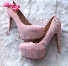 pink sparkly hello kitty pumps! a-dorable!!