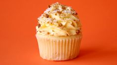 Coconut Mango Cheesecake Cupcakes