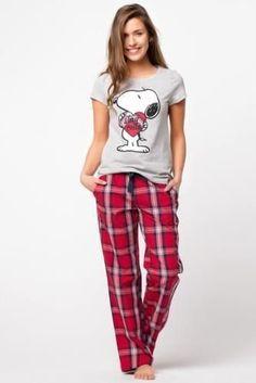 Me enamore de él mejor amigo de mi hermano - Capítulo 4 - Wattpad Le Style Du Jenner, Pijamas Women, Cozy Pajamas, Pyjamas, Cute Pajama Sets, Cute Sleepwear, Pajama Outfits, Lazy Day Outfits, Womens Pyjama Sets