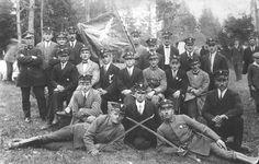 Niezidentyfikowany oddział uczestników I powstania śląskiego. Źródło: Muzeum Czynu Powstańczego.