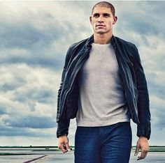 Jimmy Graham... strangely enough, I was just googling synonyms for the word gorgeous and this picture appeared :)