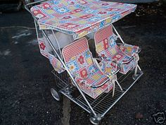 Vintage 70s/early 80s twins' baby stroller.