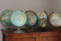 Phantastic Phinds: Rule the World One Globe at a Time Old Globe, Globe Art, Globe Decor, Antique Maps, Vintage Maps, Vintage Items, Soft Summer Color Palette, World Map Decor, Garage Sale Finds