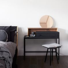 MannMade London - Dressing table
