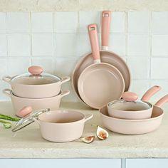 Kitchen Jars, Cute Kitchen, Kitchen Items, Home Decor Kitchen, Kitchen Utensils, Kitchen Appliances, Kitchen Essentials List, Kitchen Necessities, Cool Kitchen Gadgets