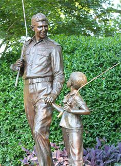 Andy and Opie Taylor Statue ~ Rest In Peace Andy Griffith.  You were a classy guy!