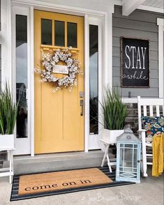 26 Best Color Front Door Ideas For Summer Do you recognize? The color of a house door that can be based upon its function front door ideas. Apparently, the front door of your house becomes very good Door Decorations, Yellow Doors, Farmhouse Decor, Front Door Colors, House With Porch, Spring Decor, Front Porch Decorating, Farmhouse Front, Front Door Decor
