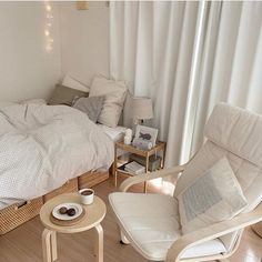 Room Design Bedroom, Room Ideas Bedroom, Bedroom Decor, Korean Bedroom Ideas, Style Deco, Minimalist Room, Pretty Room, Aesthetic Room Decor, Cozy Room