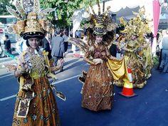 batik batik carnival multi culture indonesian batik fiber arts ...