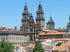 Catedral de Santiago. Desde la alameda en Santiago de Compostela