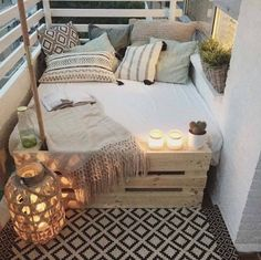 Fabulous-Spring-Balcony-Decor-Ideas-06-1-Kindesign.jpg 1 186×1 184 pikseliä