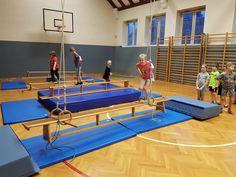 Always dodgeball? Sports Activities For Kids, Kids Sports, Kids Gym, Physical Education, School Design, Alternative, Indoor, Training, Bujo