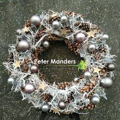 Kerstkrans  Peter Manders bloemist in #Lemmer NL