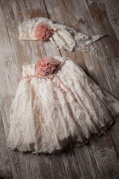 Βαπτιστικό ρούχο για κορίτσι της Cat in the Hat -Luna Baptism Outfit, Baptism Clothes, Baby Baptism, Christening Gowns, Minnie, Baby Dress, Tulle, Flower Girl Dresses, Wedding Dresses