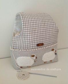 Bolsa para guardar las labores de crochet