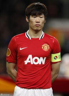 Ji-Sung Park (Manchester United) (C) Manchester United Fans, I Love Manchester, Fifa, Premier League, Man Utd Squad, Eric Cantona, Park Ji Sung, Star Wars, Professional Football